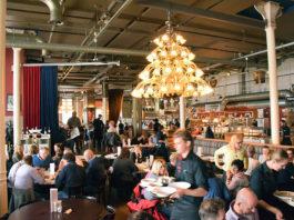 Travel Dining Tips: Interior at Hotel New York Restaurant